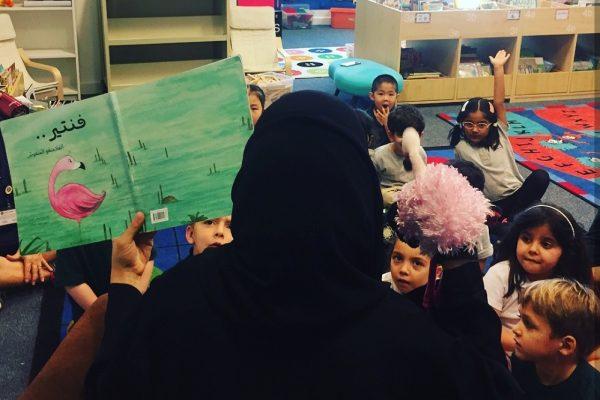 """الكاتبة الإماراتية """"نورة الخوري"""": بيئة الإمارات خصبة ومتنوعة"""