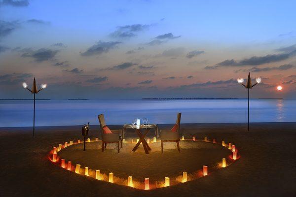 احتفلوا بشهر الحب في جزيرة استوائية من الأحلام