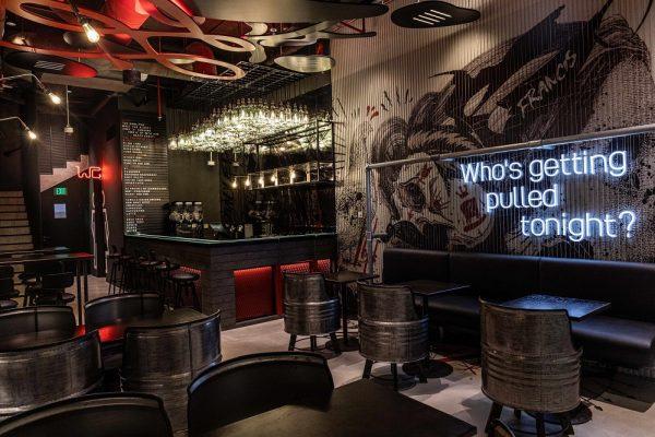 مطعم بولد العصري الجديد يفتتح أبوابه قريباً