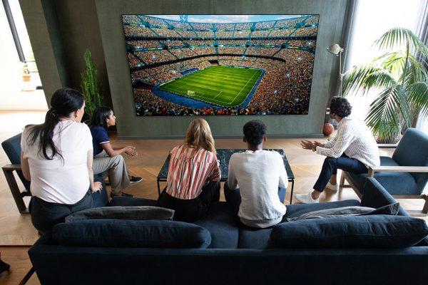 """تلفزيون OLED الجديد من """"إل جي"""" يقدم تجربة متابعة المباريات"""