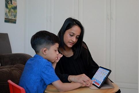 تطبيق فابولا يدعم الأشخاص الذين يعانون من صعوبة في التواصل
